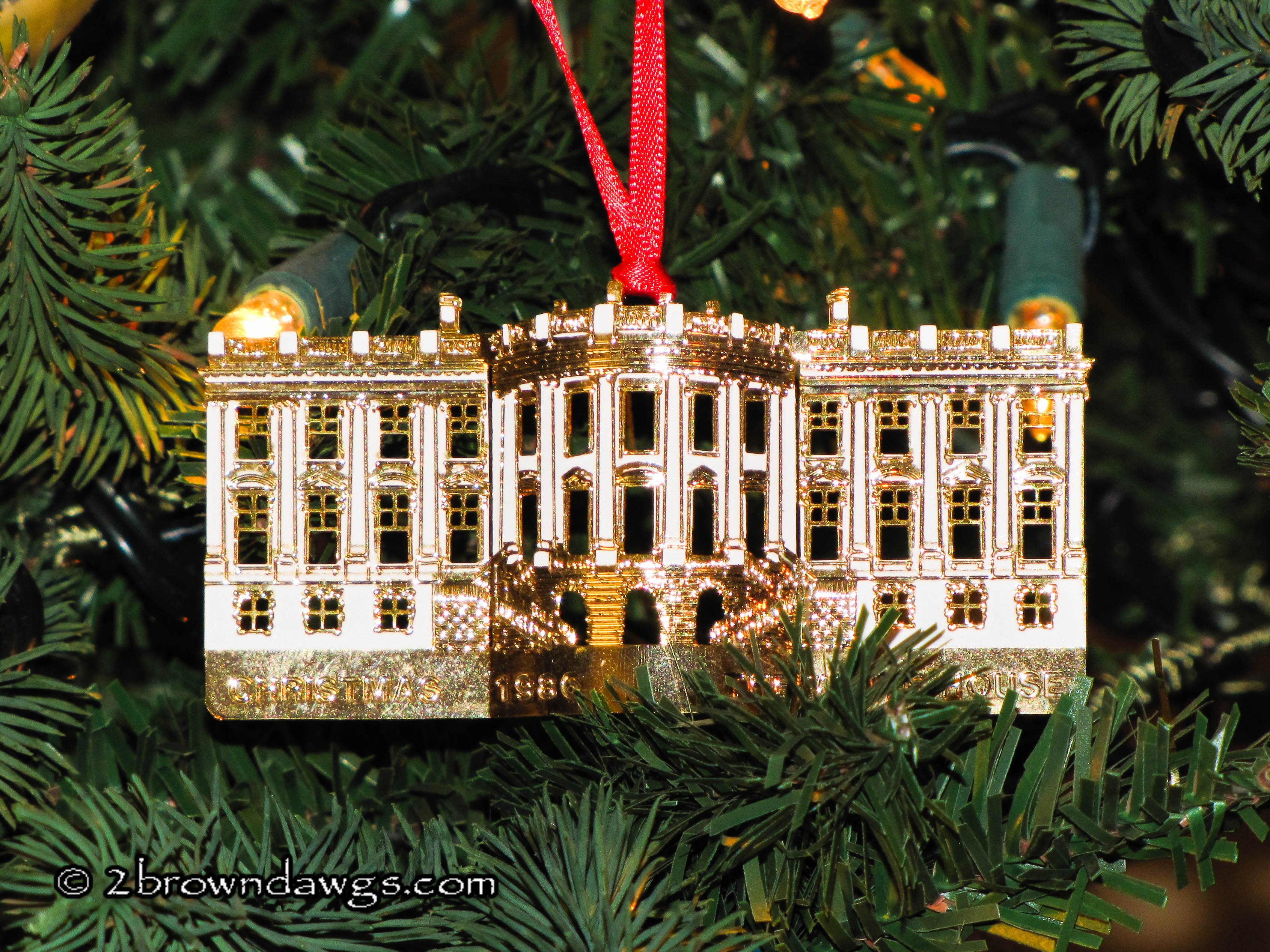 Coupon white house ornament